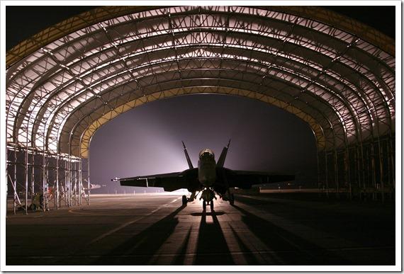 hangar-81779_1920