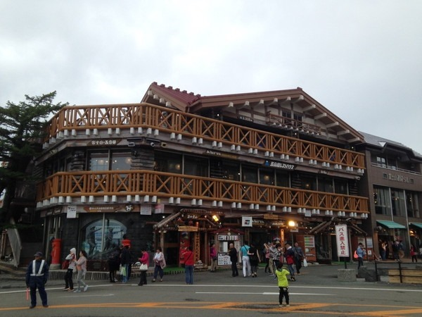 富士浅間神社と新屋山神社_7493[1]