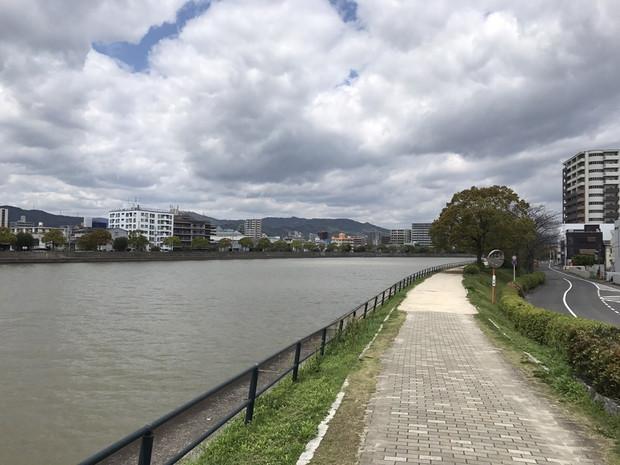 ひたすら河川敷